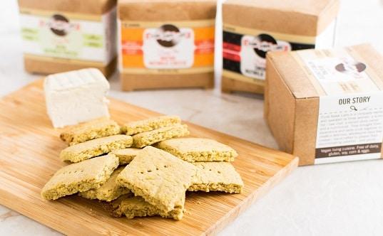 Vegan Cheese Turmeric Oats Crackers + GIVEAWAY!