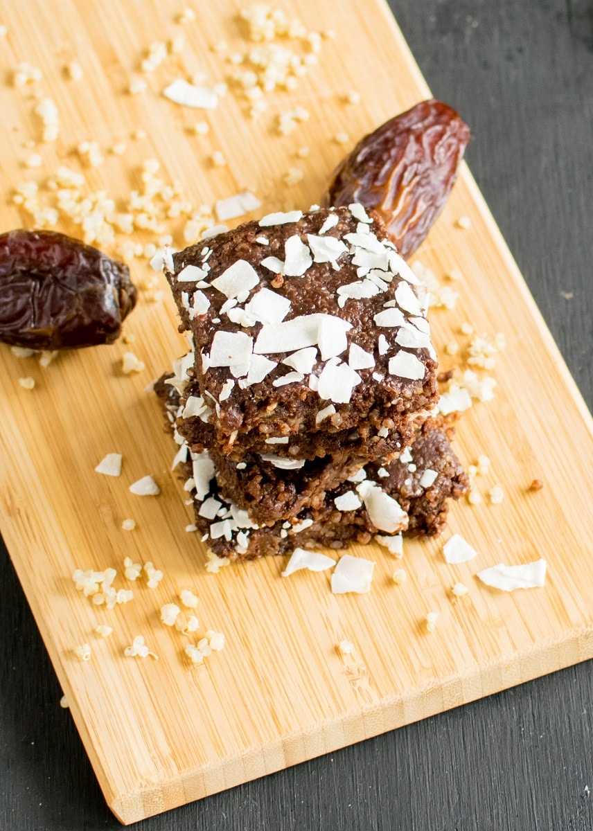No Bake Chocolate Coconut Quinoa Brownies - healthy and fiber rich nutritious dessert for snacks is kid friendly and serves well to grown ups | vegan and gluten free | kiipfit.com