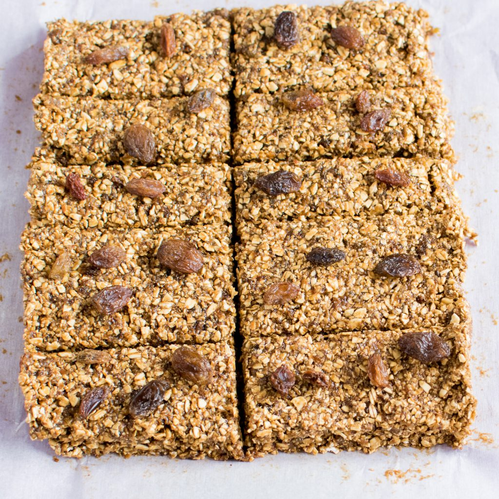 No Bake Coffee Oats Energy Bars sufficiently provides caffeine to coffee lovers like me. At the same time it boosts the much needed energy at all times. This energy bar works as a perfect pre workout snack too | kiipfit.com