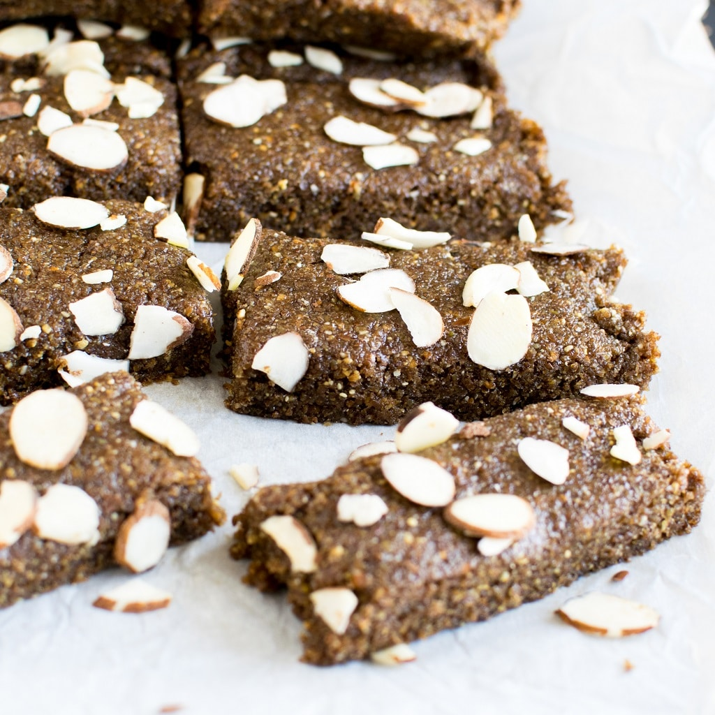 No Bake Almond Butter Flax Bars are loaded with nutrition and it's a perfect on the go snack especially if you are travelling. It serves excellently as an after school snack. Unless you bite on these you cannot imagine its deliciousness. And once you bite on them you cannot believe that its grain free + dates free + hell lots of omega 3 along with fiber infused in just one bar. Not to mention its low in calories and a delight to the taste buds [ vegan + gf + paleo ] kiipfit.com