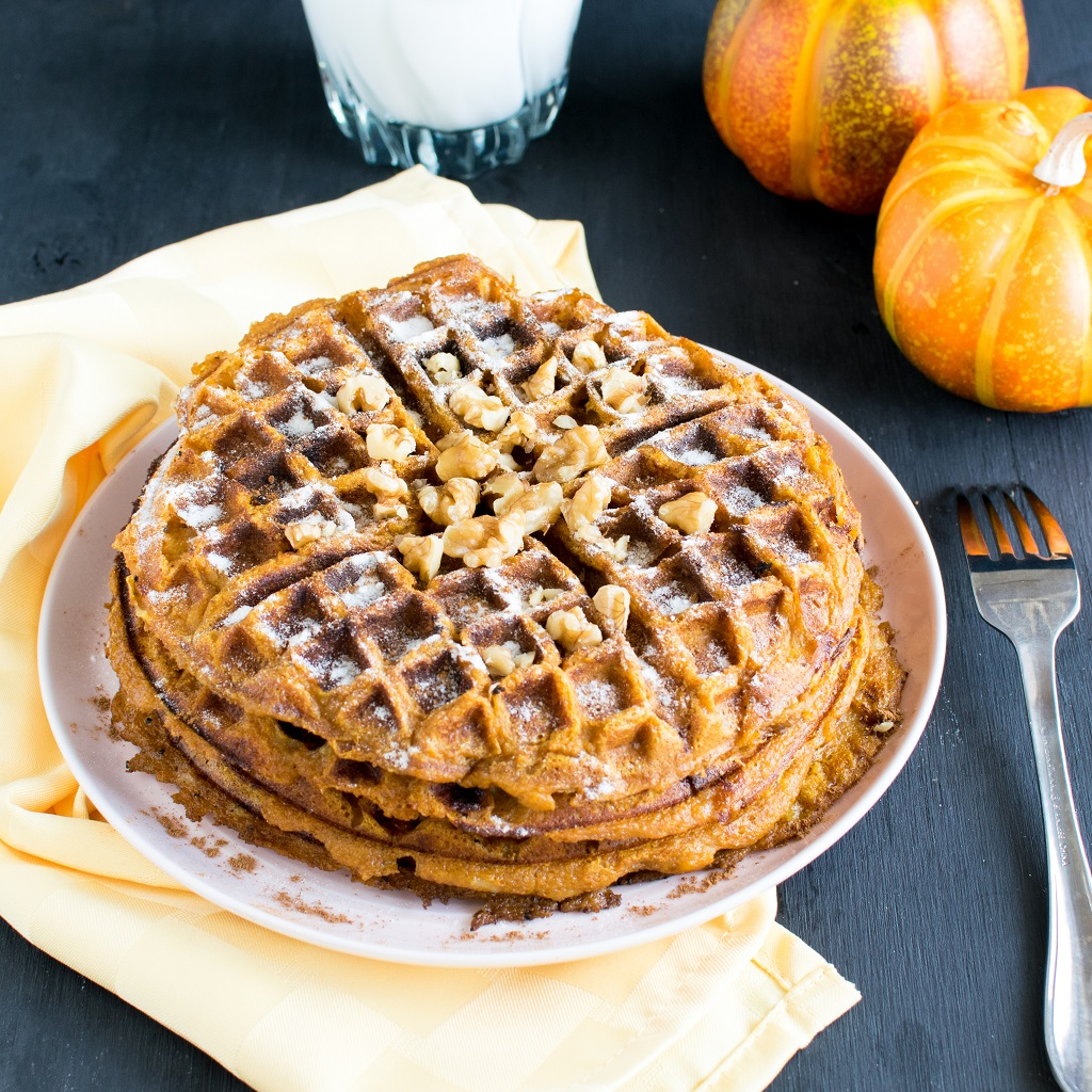 Pumpkin Pie Spice Spelt Waffles are light and fluffy with delectable fall flavors. It's perfect for serious breakfast lovers especially when the air is cold and you crave for warm morning meal [ vegan ] kiipfit.com