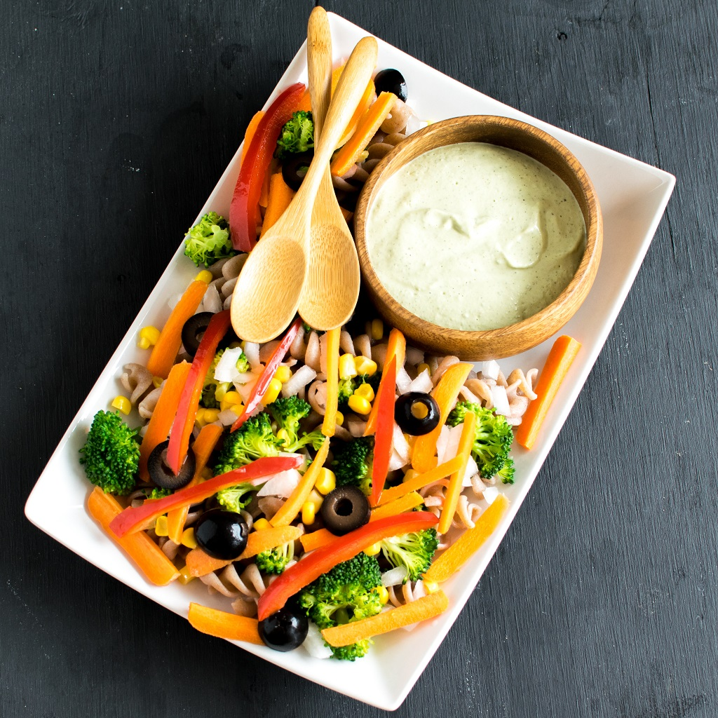 Jalapeno Tahini Vegan Pasta Salad is a flavorful yet satisfying meal for any time of the week as well as for any time of the day. It's loaded with the hot flavor of jalapeno along with creamy tahini and tossed in with lots of fiber and some carbohydrate | kiipfit.com