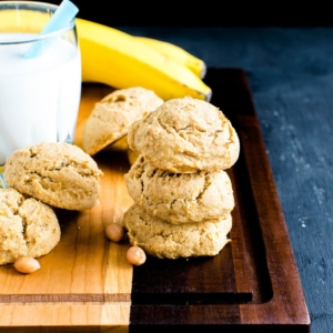 These vegan and gluten free Peanut Butter Banana Amaranth Cookies are a perfect choice to satisfy sweet tooth in a nutritious way. These cookies are high in fiber and protein along with delicious flavors | kiipfit.com
